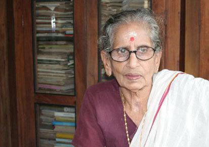 കേന്ദ്രസാഹിത്യഅക്കാദമി ഫെല്ലോഷിപ്പ് പ്രൊഫ. ഡോ. എം. ലീലാവതി ടീച്ചർക്ക്. സാഹിത്യരംഗത്തെ സമഗ്രസംഭാവനയ്ക്കാണ് ഫെല്ലോ ഷിപ്പ്.